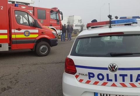 Accident pe DN1, la Nistoresti. Masina ce transporta un container cinematografic s-a rasturnat