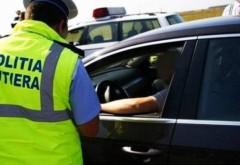 DE CARTEA RECORDURILOR. Un bărbat din Argeş a circulat 42 de ani fără permis. Avea carnetul de conducere suspendat din 1976