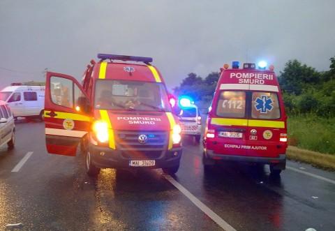 Accident in Comarnic! Doua ambulante SMURD, la fata locului