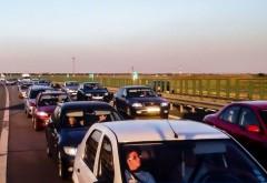 Aglomeraţie pe Autostrada Soarelui, pe sensul spre litoral