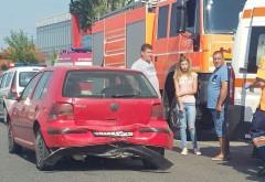Accident la Valea Calugareasca. Implicate doua masini si doi pietoni
