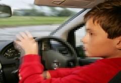 Parinti inconstienti! Minor de 15 ani, prins la volan, pe o strada din Ploiesti!