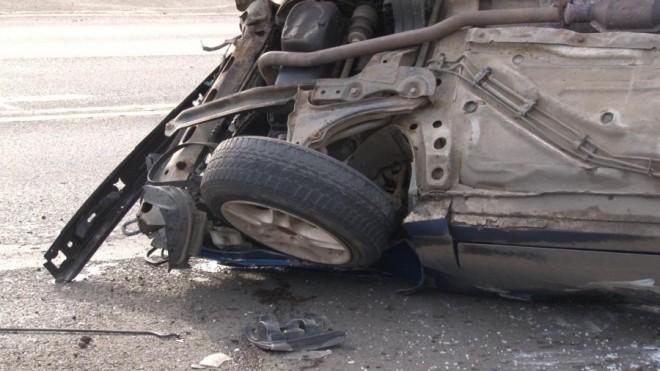 Accident la Baicoi, pe DN1. O masina s-a rasturnat