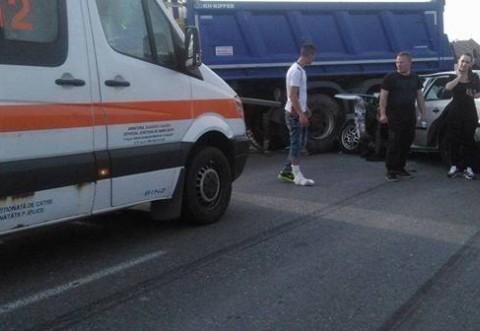 Accident in Ploiesti, pe strada Poligonului. 4 masini lovite din cauza unui sofer neatent