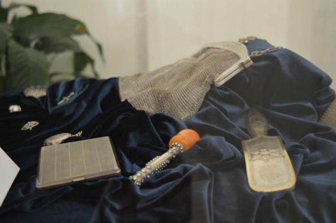 EXPOZITIE INEDITA! Inelul lui Vasile Alecsandri şi linguriţele lui Mihai Eminescu sunt la Ploieşti