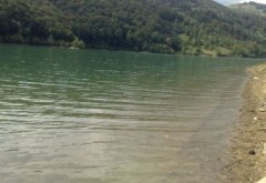 LACUL BLESTEMAT de pe Valea Prahovei! Ce se întâmplă dacă treci pe acolo