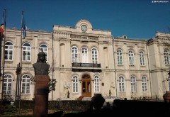 Spectacol de canto şi dans la Muzeul Judeţean de Istorie