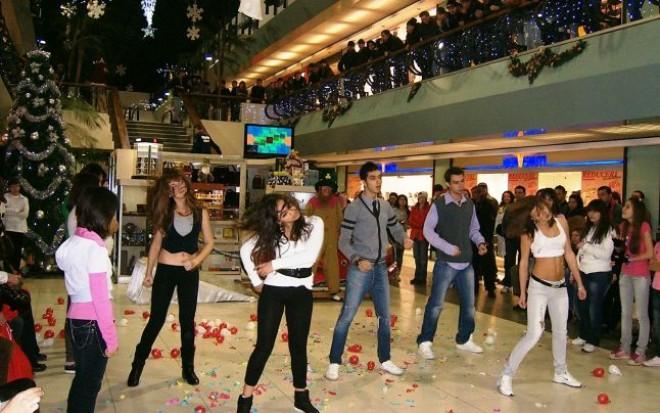 Dans sportiv, teatru şi muzică uşoară la Winmarkt Center Ploieşti