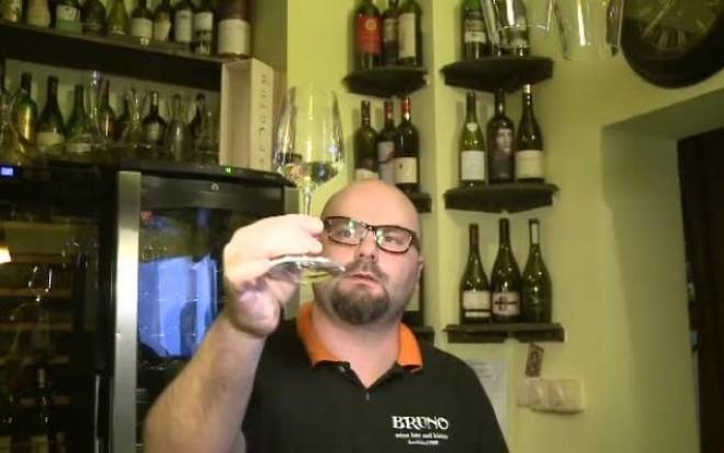 """""""Wine-baruri"""", localurile din Bucuresti care educa gusturile"""