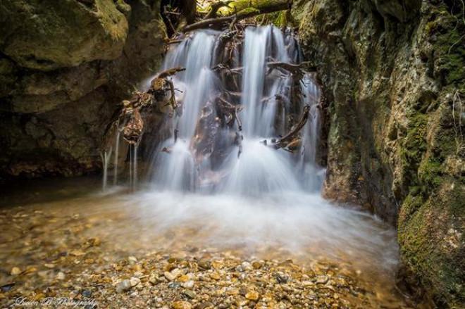 LOCUL UNIC din România unde poţi admira cinci cascade! Peisajul îţi taie respiraţia