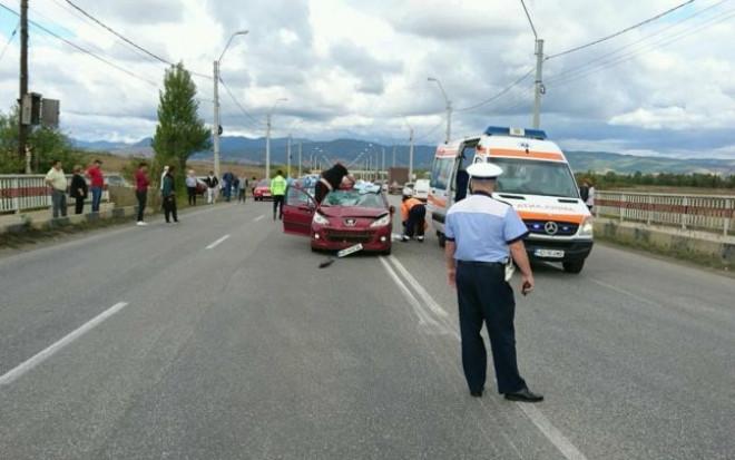 Accident rutier pe DN1, în Prahova; circulaţie blocată la ieşirea din Azuga către Predeal